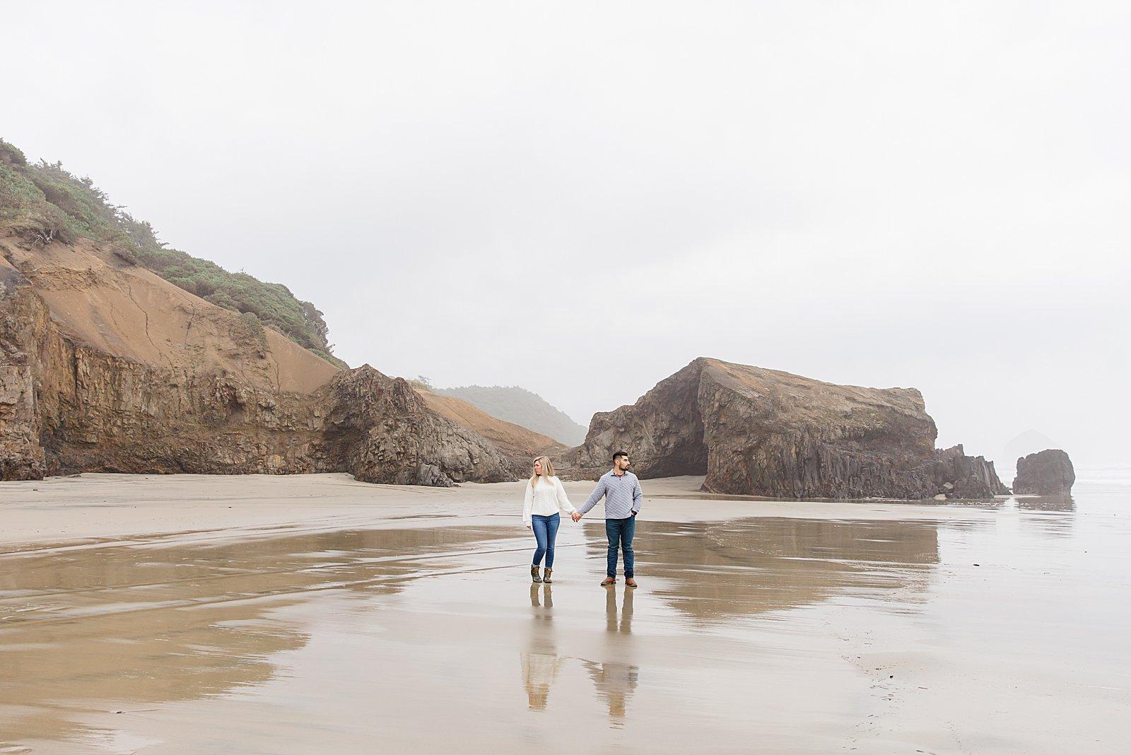 Rebekah Leona Photography | Cape Kiwanda | Beach Photo Session | Oregon Coast Engagement Session | PNW Couples Photography
