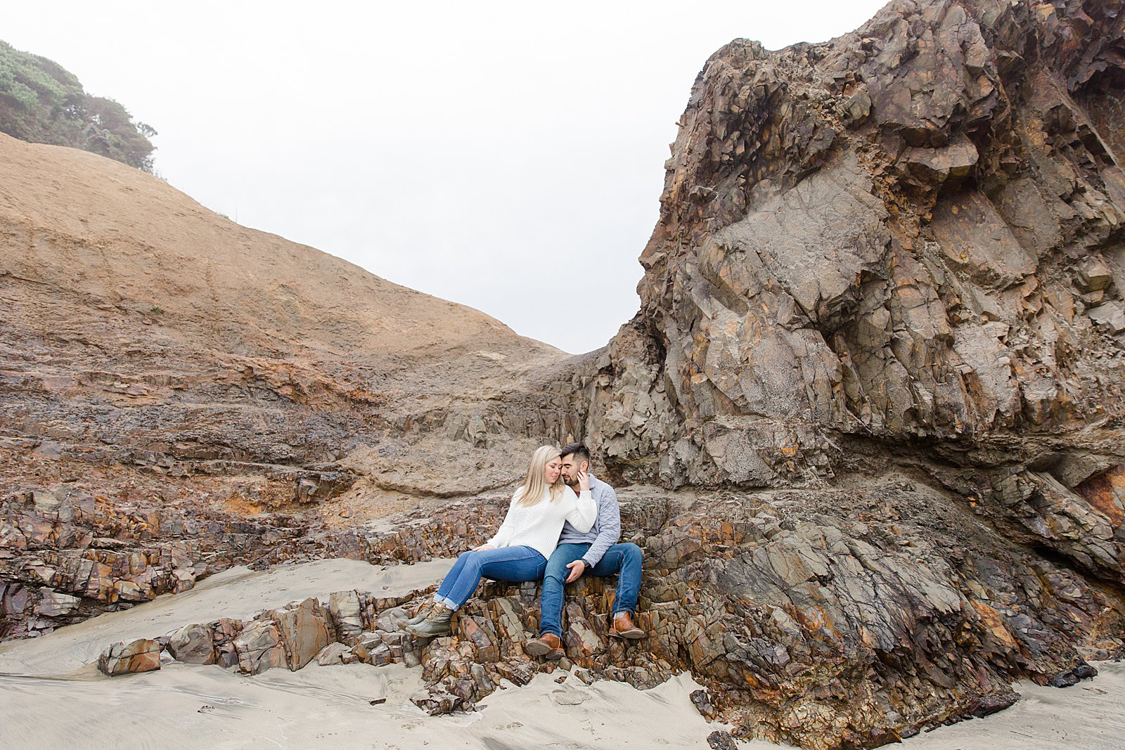 Rebekah Leona Photography | Cape Kiwanda | Beach Photo Session | Oregon Coast Engagement Session | PNW Couples Session