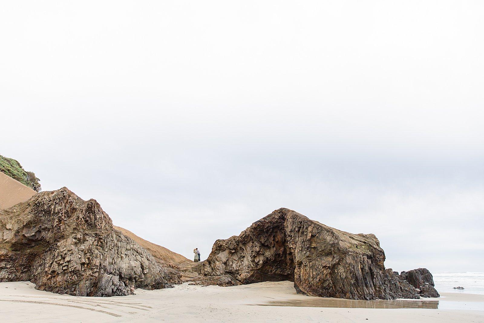 Rebekah Leona Photography | Cape Kiwanda | Beach Photo Session | Oregon Coast Engagement Session | PNW Engagement Session