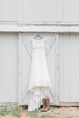 10 ways to cut your wedding budget - check out the discount rack