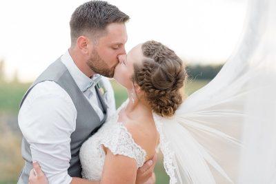10 ways to cut your wedding budget - DIY your veil