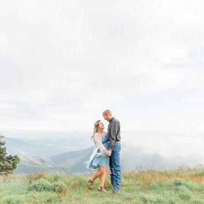 Josh & Meghan // Mary's Peak Adventure Engagement Session
