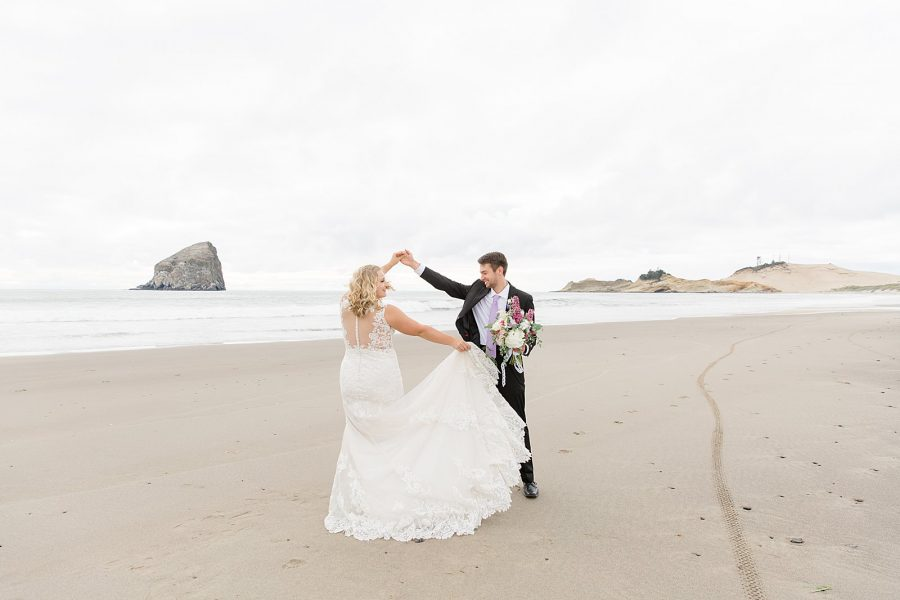 Oregon Coast Elopement - Cape Kiwanda Oregon