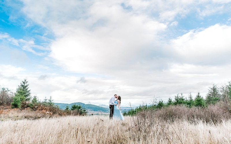 Will & Abigail // Sweet Home Oregon Adventure Session