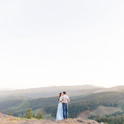 Tim & Grace // Oregon Adventure Engagement Session